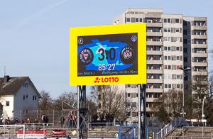 p3083028